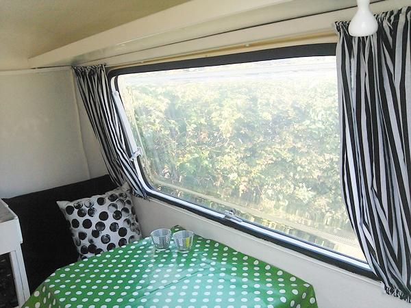 Sy gardiner til campingvogn