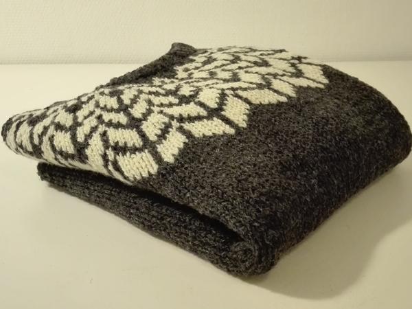 arrows-sweater-1